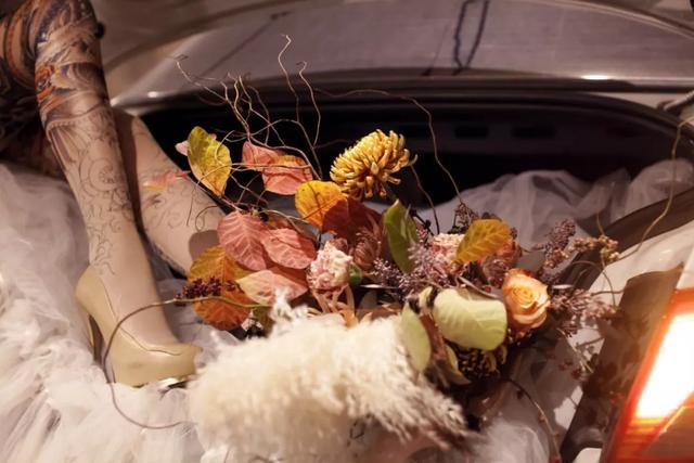 从荷兰国王访华到网红餐厅的花艺设计,她是那个默默拼命的花艺师
