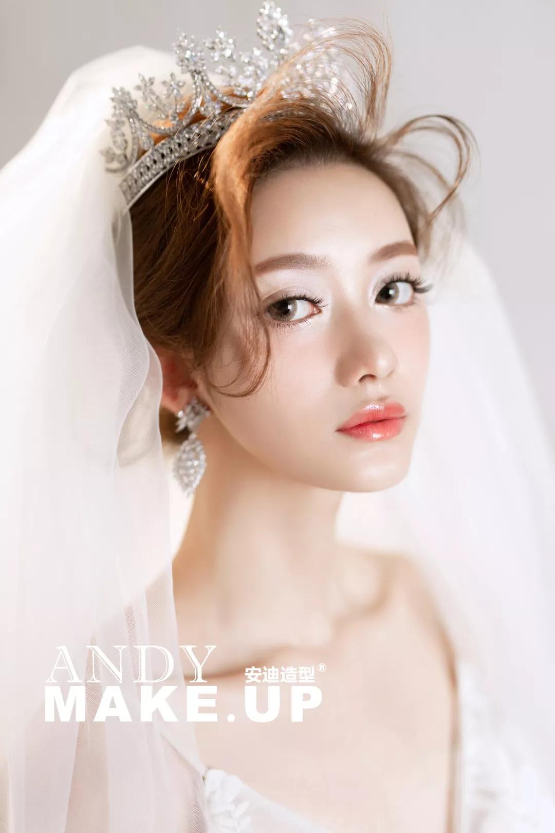 皇冠小仙女新娘发型,看过后想要马上结婚咯!