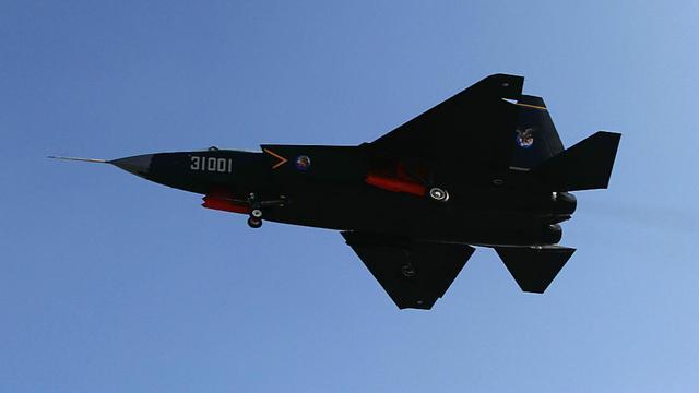 歼20正在服役 空军未来还会装备歼31吗?