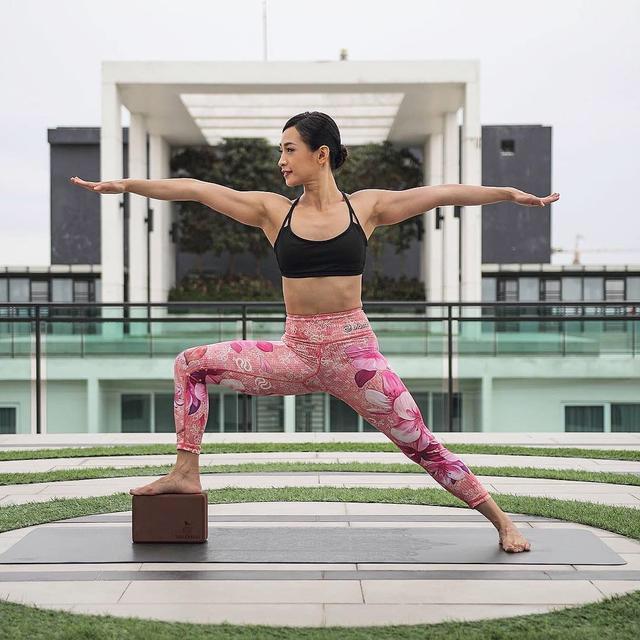 告别蝴蝶袖,远离拜拜肉!超简单瑜伽动作快速帮你瘦手臂!