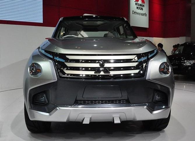 這才是硬派SUV!車身長4米8配四驅,開出去,檔次遠超牧馬人