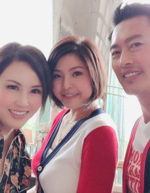 55岁TVB艺人黄德斌低调结婚 不穿礼服不迎亲一切从简