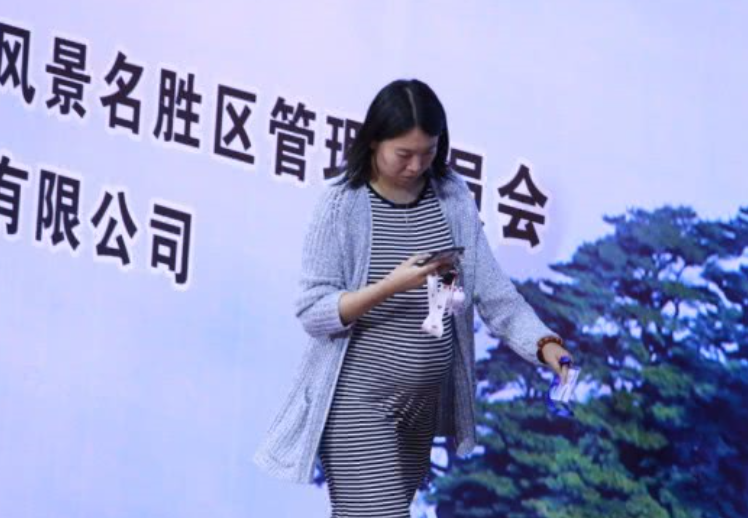 喜讯!乒坛传奇李晓霞已有身孕,距离升级成母亲不远了