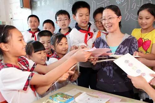 为什么这个教师节对高校老师非同寻常?