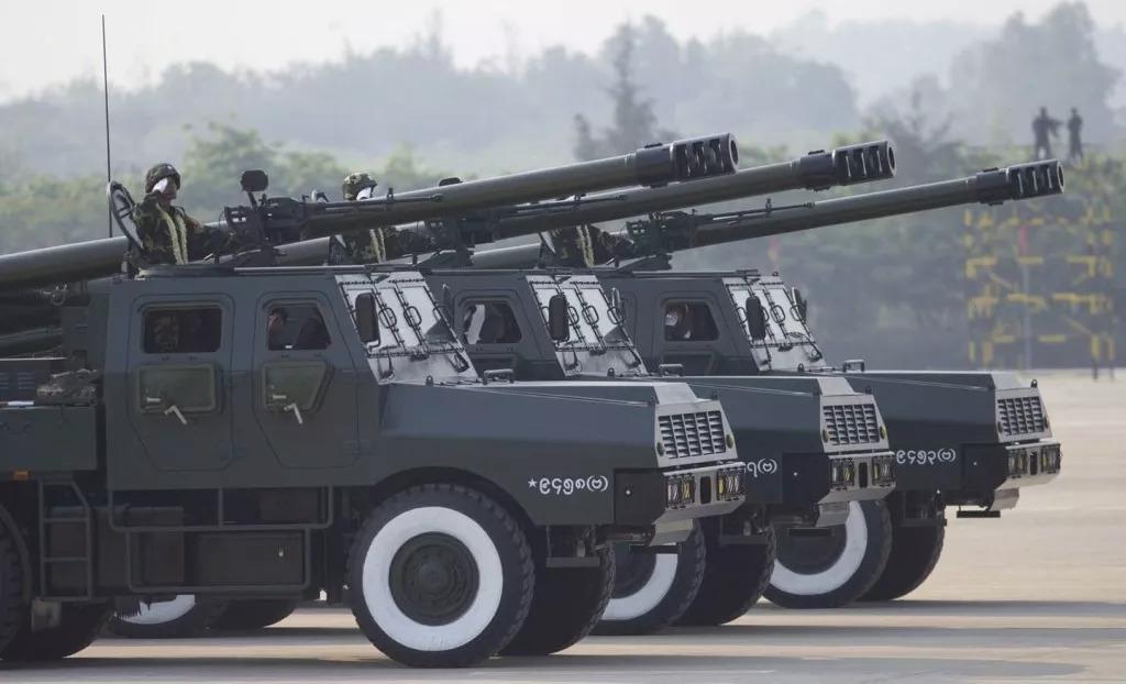 国产新型车载巨炮网上曝光 这次又是要卖给谁?