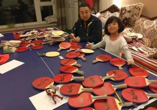刘国梁家中乒乓球桌抢眼 马龙的这个收藏癖好让人惊讶