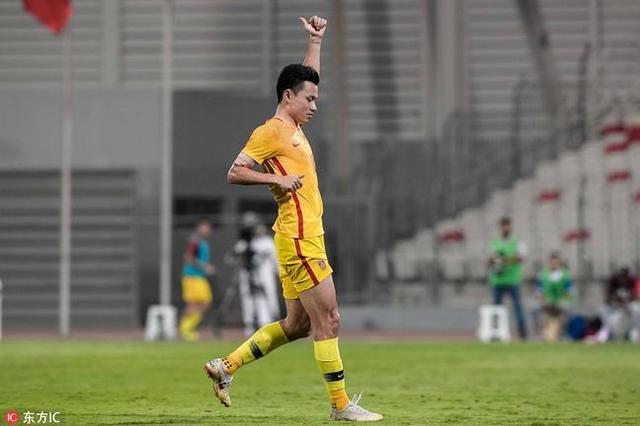 郜林百场难掩尴尬!国足10年正式比赛只进5球 3球还是踢越南