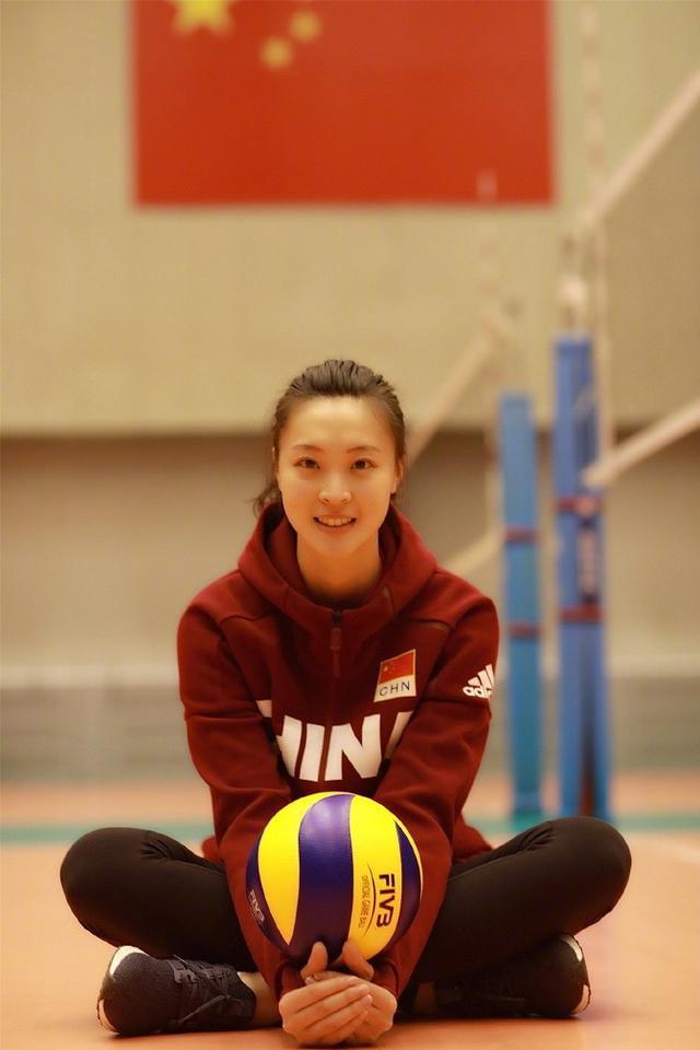 最美之争?中国女排两大队长同时复出 球迷迎幸福的烦恼
