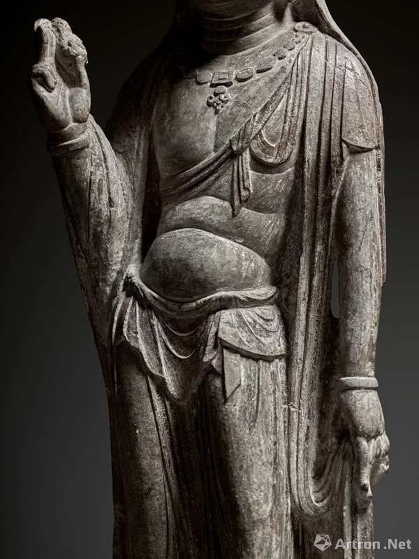 """估价最贵佛首撤拍_�K富比纽约""""琼肯:中国佛教造像""""斩获5153万元"""