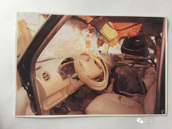 ▲图为事故车辆车内情况。受访者供图