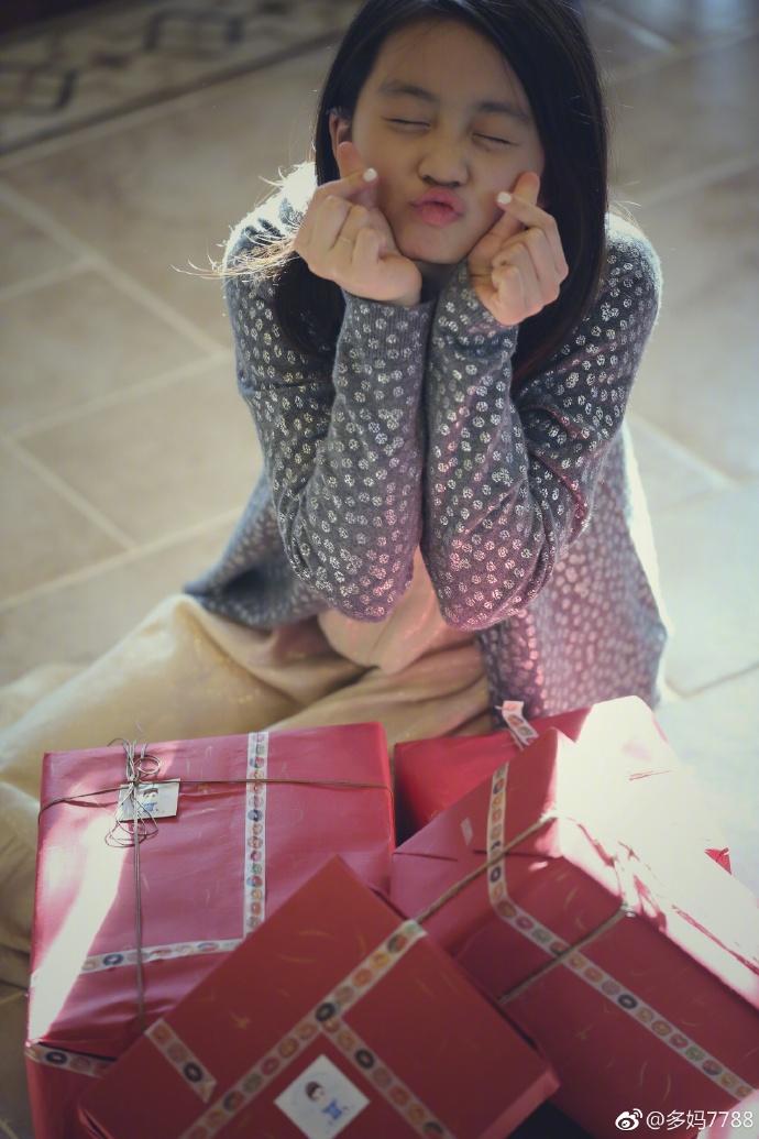 黄磊女儿戴了个低调的耳环,网友扒出价格吓死人!
