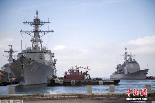 """�鹊�r刻9月10日,美��弗吉尼��州�Z福克,美��水��兵���x�Z福克水��基地,�I�湓陲Z�L""""佛�_��斯""""到�碇�前,在大西洋度�^�L暴。"""