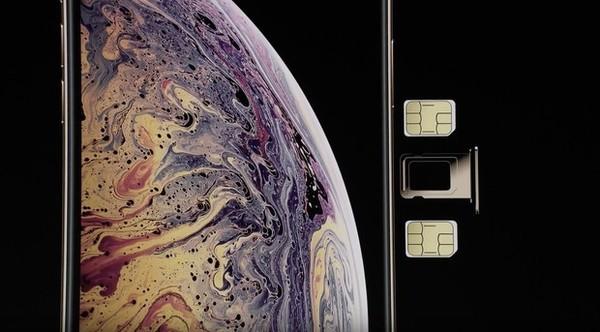 iPhone XS系列拥有双卡双待