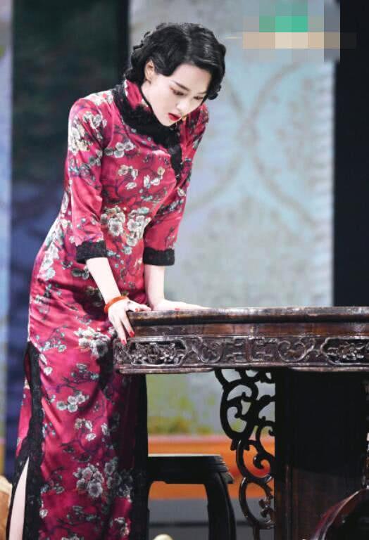 张馨予穿开叉旗袍亮相,出场女人味十足,演技与风格获得大家认可