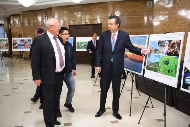 五粮液集团董事长李曙光赴俄罗斯出席中俄经贸交流活动