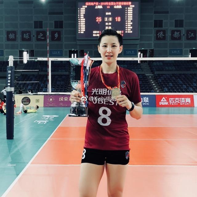 女排郎平军团最老队长夺冠,33岁不封刀,龚翔宇向她看齐?