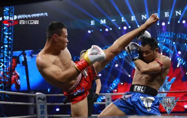 经典回顾,中国拳王四回合鏖战泰拳第一人,这场比赛令世界瞩目
