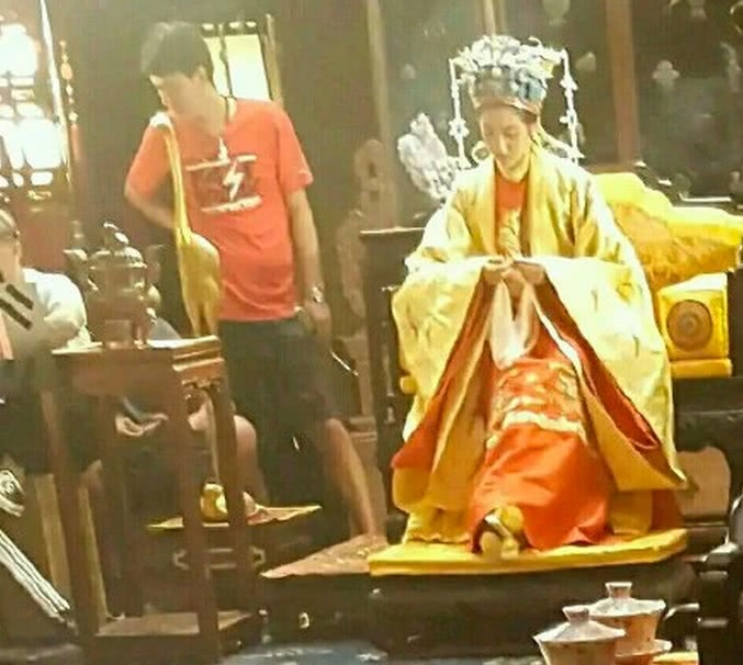 电影版《红楼梦》关晓彤扮演贾元春,没有了87版里成梅的大气?