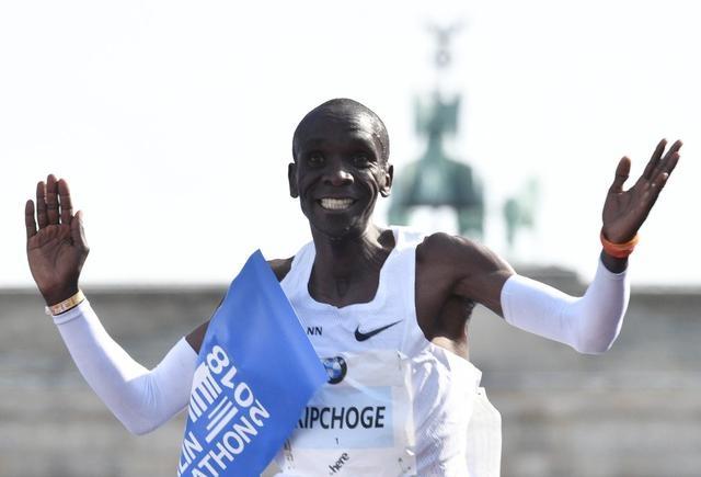 33岁运动员打破马拉松世界纪录,一年的训练比常人一辈子的路还长