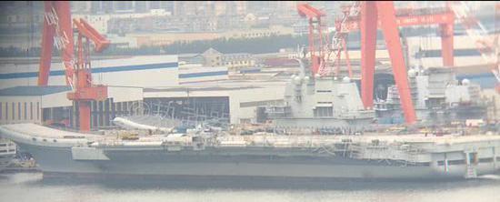 我国产航母关键设备已就位 下次海试或试验歼15起降