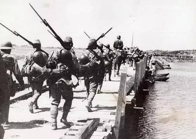 幸运飞艇属于官网么:小鬼子个子最矮_为何非要扛杆二战最长的步枪?