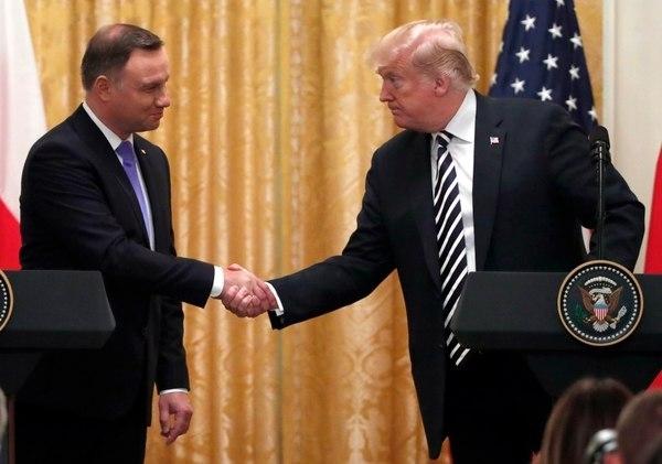 美国正考虑在波兰永久驻军