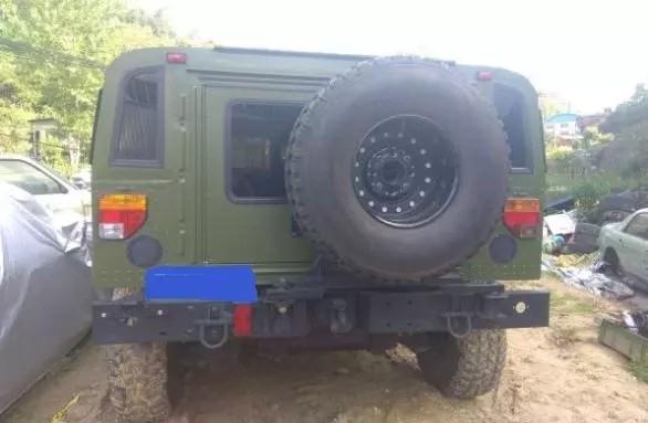 老板是一位军事迷:花90万买辆东风猛士,看到车