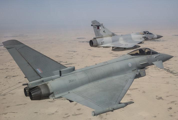 英国向卡塔尔出售24架台风战机 首架2022年交付