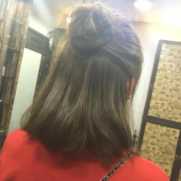 卷发丸子头的扎法图解 短发丸子头的扎法图解图片