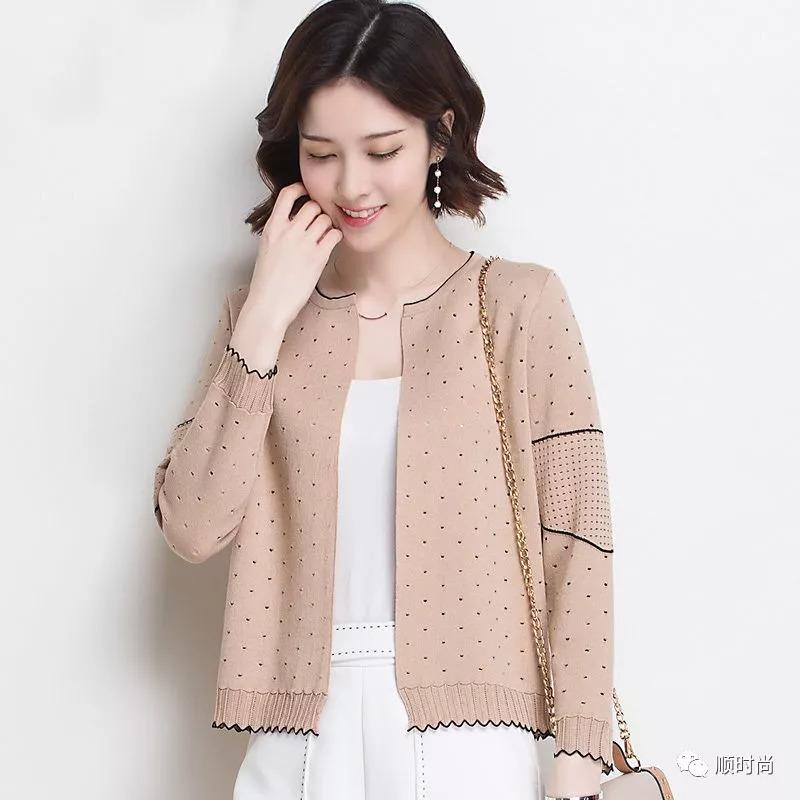 刚上新的秋季薄外套,兼具风度与温度,搭裙子长裤都好看图片