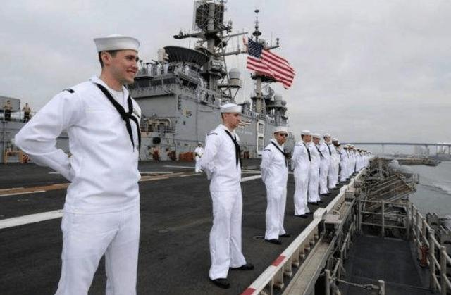 美军水兵被预警机螺旋桨打死 给中国提了个醒