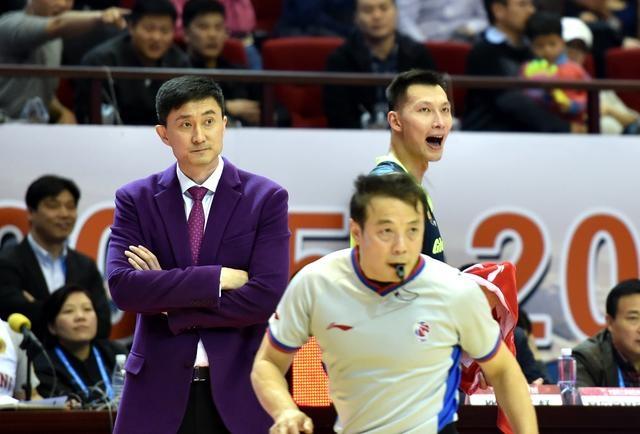 杜锋重返广东球迷又惊又喜 他会成为球队夺冠X因素