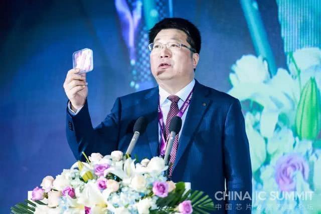 """中国存储芯片突破""""零自制困境"""",紫光南京、武汉、成都三箭齐发"""