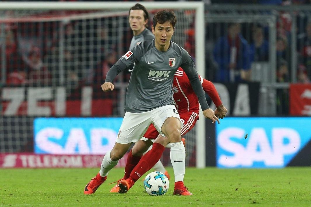 韩国脚在德甲世界波破门跃起庆祝,不慎扭伤左膝将缺阵数周