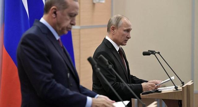 极端武装拒不撤出 俄军不在乎炸成一片火海