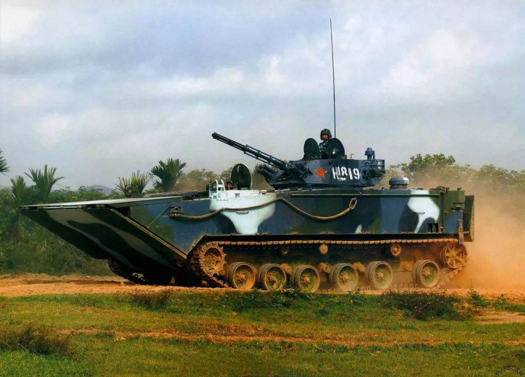 05两栖战车试验时意外沉底 服役后让俄军赞不绝口