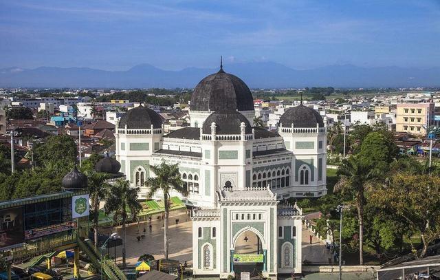 世界上人口数量最多的10个岛屿之三:苏门答腊岛和马达加斯加岛