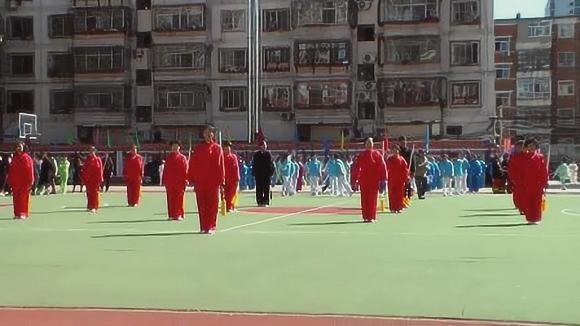 视频:大同市第一届老年人体育健身大会剑术【一剪梅】南关健身站表演