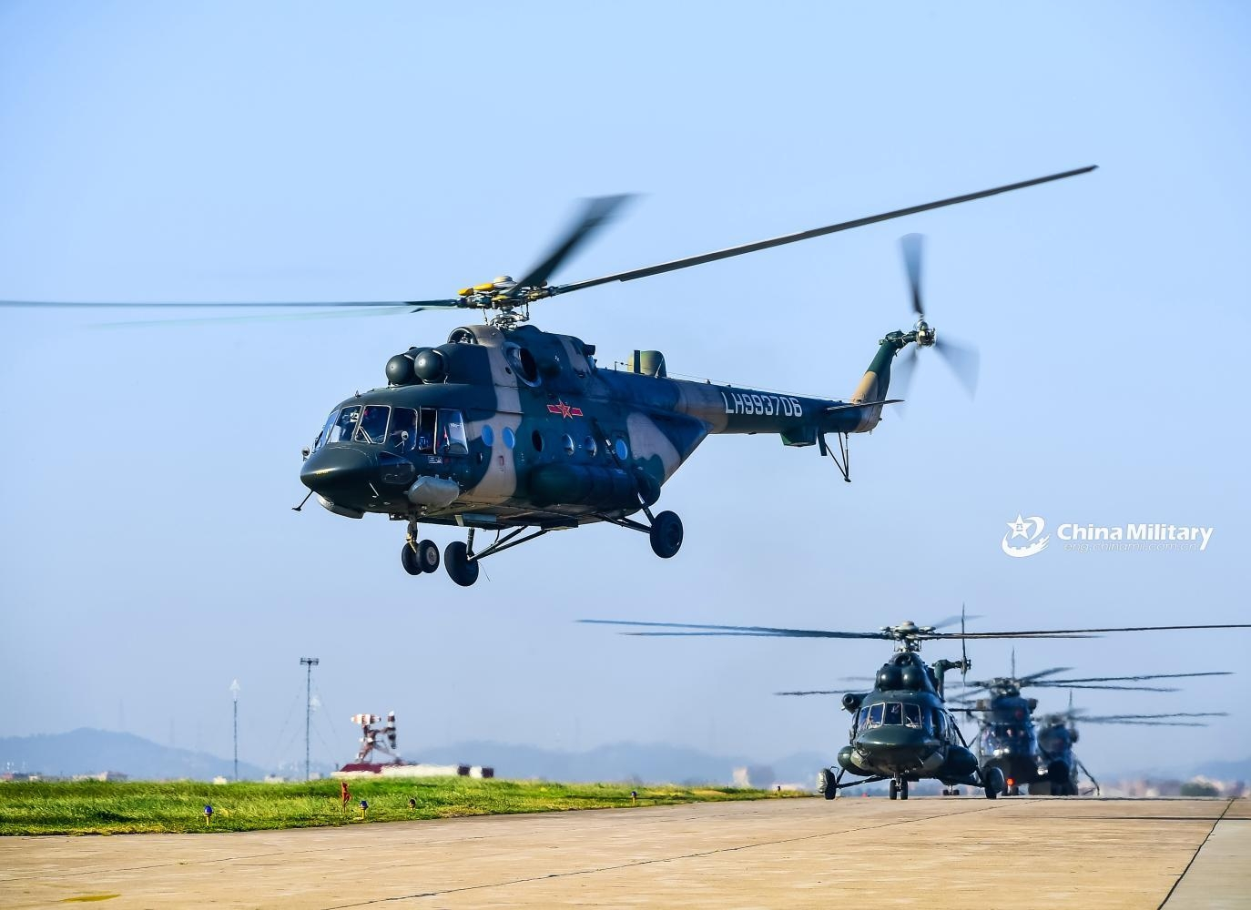 陆航米171直升机增加了一新设备,看似普通,战时非常重要