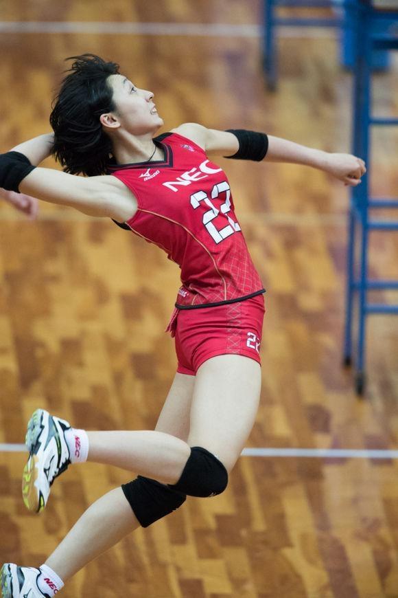 球技与颜值并存!日本天才全能美少女崛起,豪言必胜中国女排夺冠