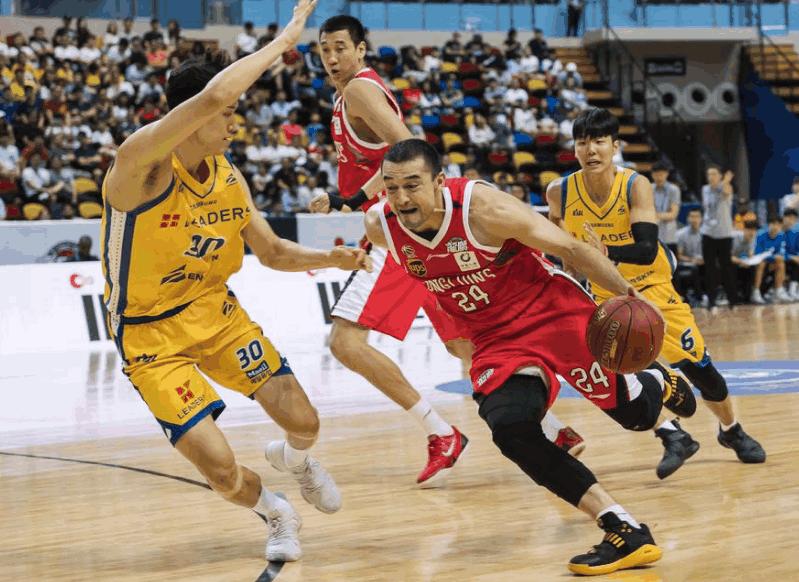 14分8篮板!新疆旧将在广州绽放光芒,他真的不是没有能力!