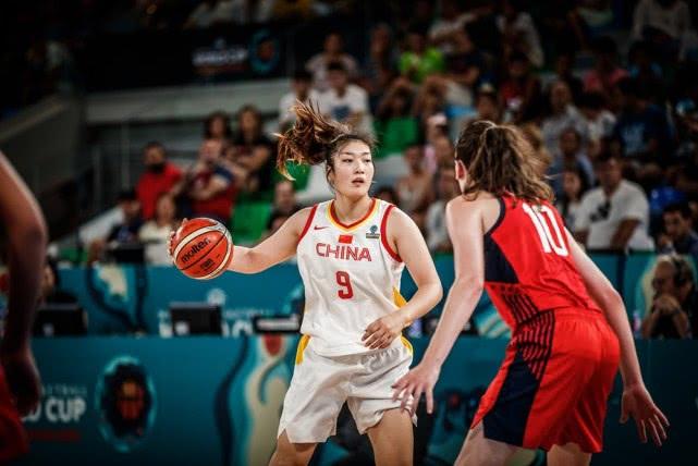 中国女篮12分不敌美国仍提前出线 韩旭20+5邵婷16分