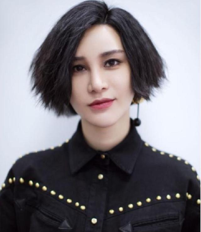 尚雯婕承认曾靠设计奇葩造型吸引眼球,借力让大家关注她的音乐!