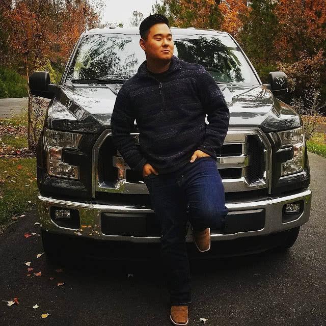 美国21岁亚裔小伙上航母不久,被预警机螺旋桨打中身亡,惨不忍睹