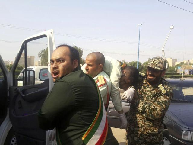 伊朗阅兵血案凶杀身份已明确,急召这三国大使,告知其血债要血还