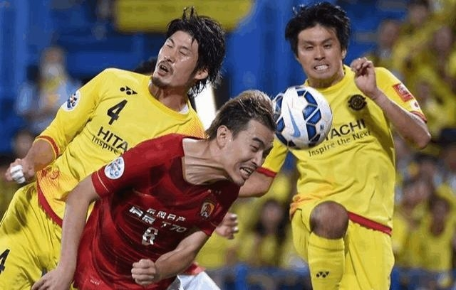 """平心而论 冯潇霆在国家队的表现是否真的""""出工不出力"""""""