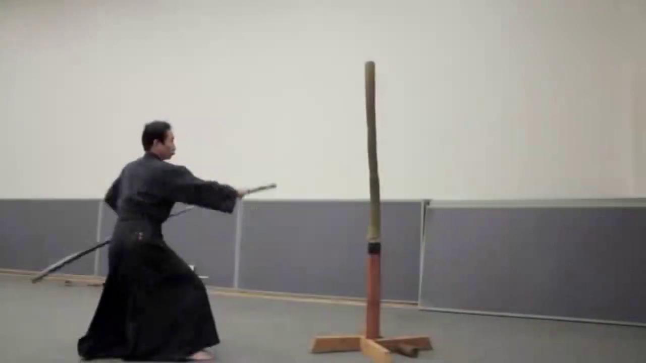 堪称日本真正」快刀手」,刀法犀利,这是训练5年的成果
