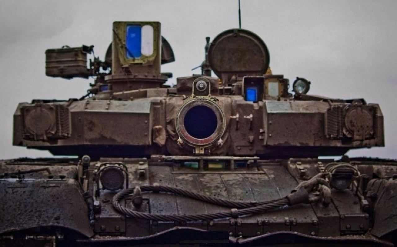 狙击手不能一枪打爆坦克么?其实子弹限制了你的想象力!