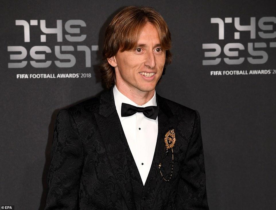 莫德里奇逆袭获得世界足球先生!破C罗梅西长达10年的垄断