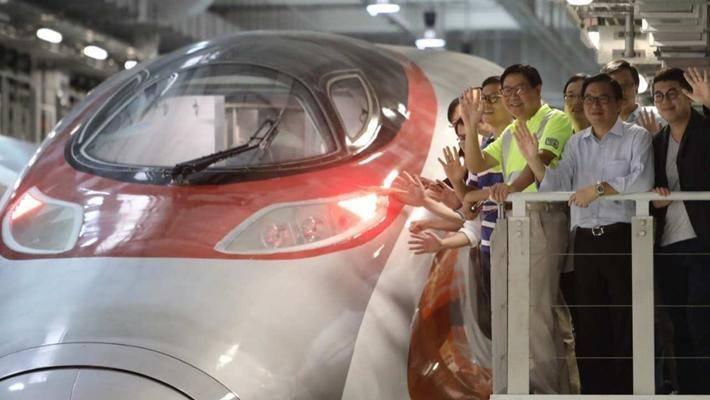 广深港高铁通车,为什么不带成都、重庆、西安玩